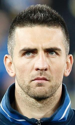 05.mar.2014 - Vedad Ibisevic, da Bósnia, se perfila antes do amistoso contra o Egito em Innsbruck (Áustria)