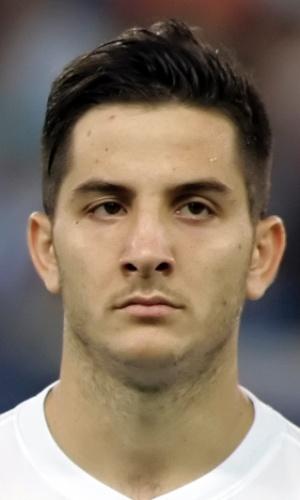 11.out.2013 - Kostas Manolas, da Grécia, fica perfilado antes da partida contra a Eslováquia pelas eliminatórias da Copa do Mundo-2014