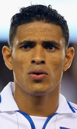 19.nov.2013 - Juan Pablo Montes, de Honduras, fica perfilado antes do amistoso contra o Equador nos EUA