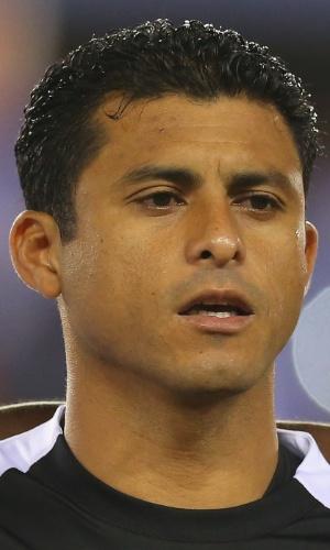 19.nov.2013 - Noel Valladares, goleiro de Honduras, canta o hino nacional antes do amistoso contra o Equador nos EUA