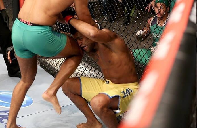 Warlley Alves encaixa joelhada em Ismael Marmota e vence no TUF Brasil 3
