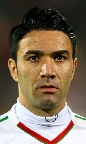 15.out.2013 - Javad Nekounam, do Irã, fica perfilado antes da partida contra a Tailândia pelas eliminatórias da Copa da Ásia