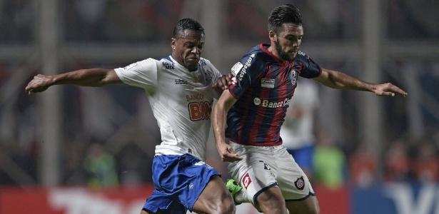 Duelo de 2014 foi o único que a Conmebol acatou recurso e anulou cartão vermelho - AFP PHOTO / Juan Mabromata
