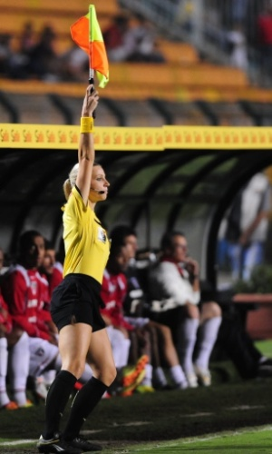Fernanda Colombo chamou a atenção no jogo entre São Paulo e CRB pela Copa do Brasil