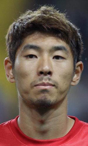 06.set.2013 - Ha Dae-Sung, da Coreia do Sul, fica perfilado antes do amistoso contra o Haiti em Incheon