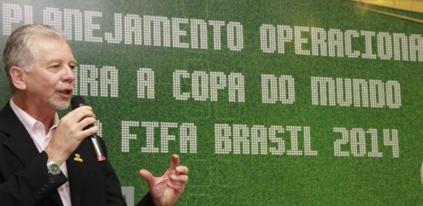 Prefeito de Porto Alegre José Fortunatti, fala em congresso sobre ações na Copa do Mundo