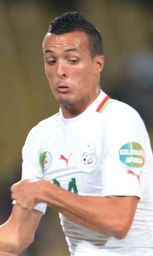 30.jan.2013 - Foued Kadir, da Argélia, toca a bola durante a partida contra a Costa do Marfim pela Copa Africana de Nações