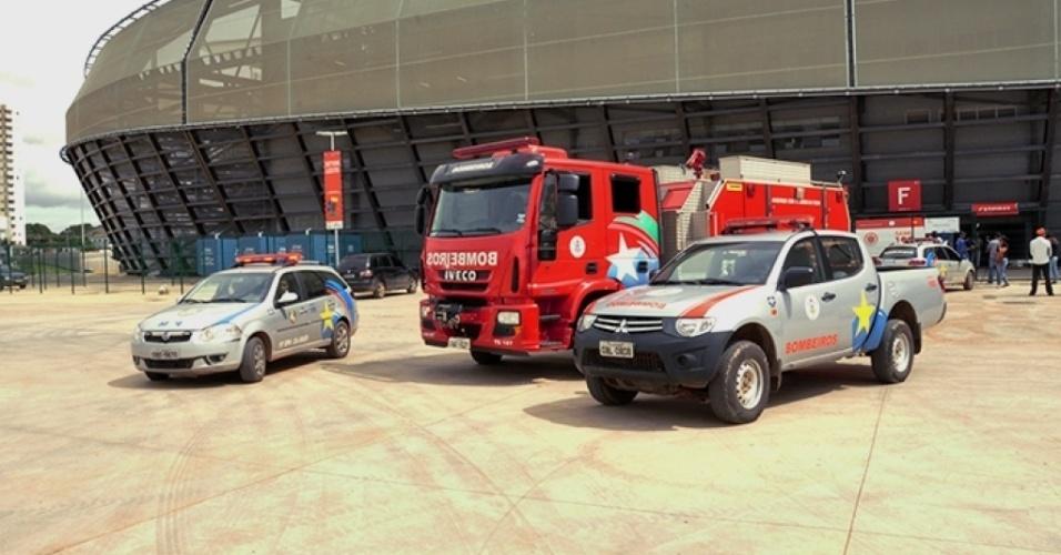Policiais e bombeiros visitam a Arena Pantanal após morte de operário eletrocutado na obra