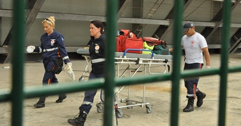 Profissionais do Samu voltam à ambulância após tentar reanimar- em vão -operário eletrocutado na Arena Pantanal