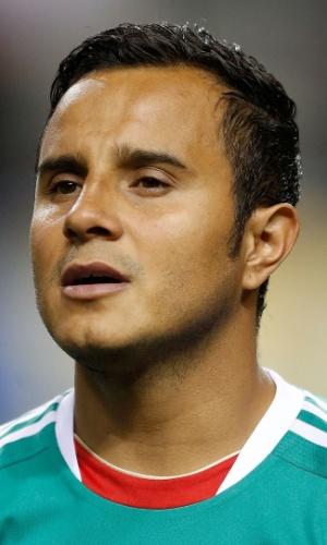 20.jul.2013 - Luis Montes, do México, canta o hino nacional antes da partida contra Trinidad e Tobago pela Copa Ouro