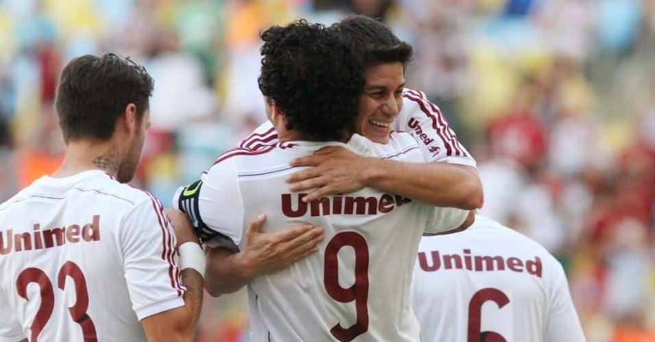 Fred e Conca comemoram gol do Fluminense no clássico contra o Flamengo - 11.05.14