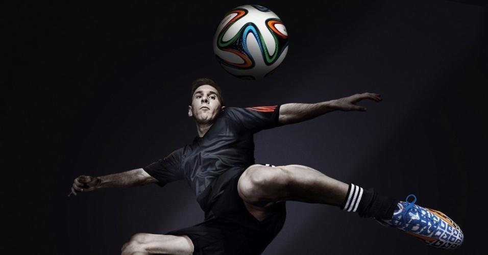 Lionel Messi será o único jogador patrocinado pela Adidas a ter uma chuteira colorida na Copa do Mundo. E justamente com as cores da Argentina