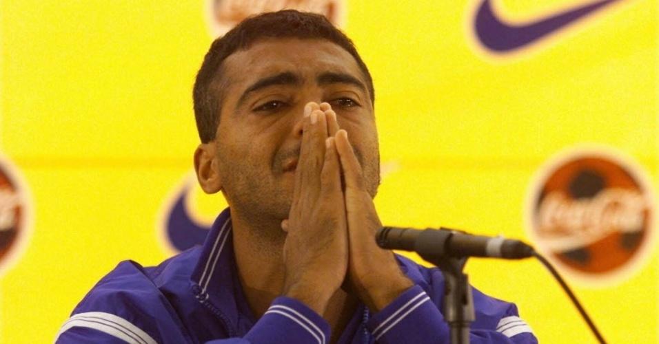 Romário chorou quando cortado em 1998 e não aceitou. Fez críticas e ironizou Zico e Zagallo