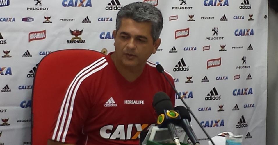 14 mai. 2014 - Ney Franco dá coletiva no Ninho do Urubu e se apresenta como novo treinador do Flamengo