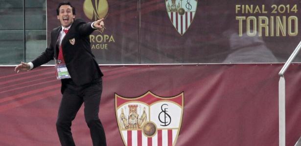 Unai Emery levou o Sevilla a três títulos seguidos da Liga Europa