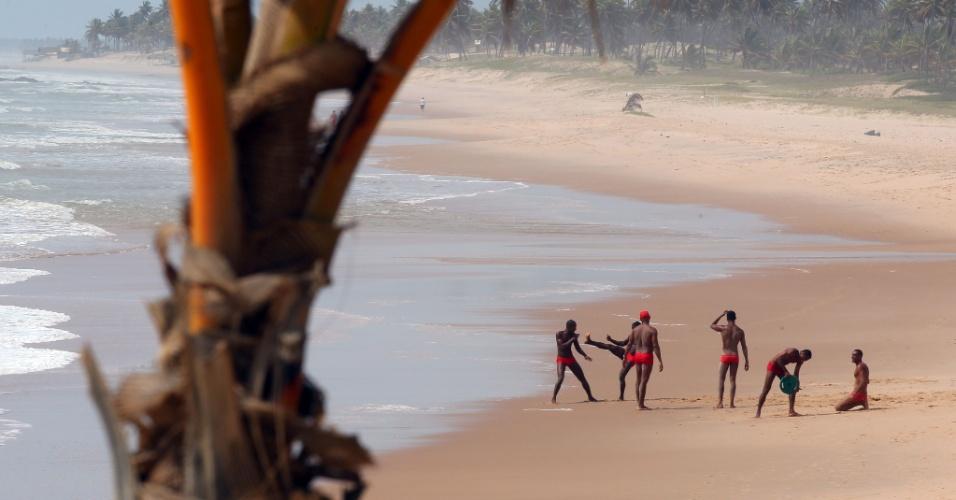 A Costa do Sauípe, onde foi o sorteio das chaves, tem promoções também. Pela Giampá, pacote com 7 noites, áereo, hotel e transfer saem por R$ 2.009, com café