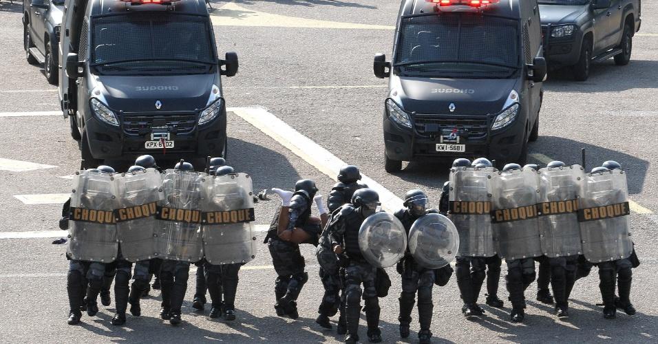 Batalhão de Choque do RJ realiza treino com FBI para conter distúrbios em protestos na Copa do Mundo