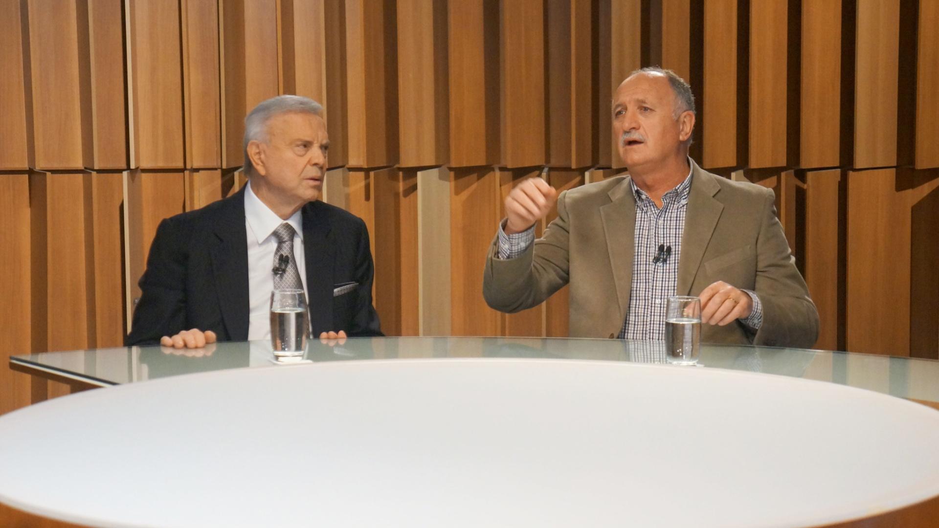 16.mai.2014 - José Maria Marin (e), presidente da CBF, e Luiz Felipe Scolari, técnico da seleção brasileira, gravam participação no programa Canal Livre, da Band