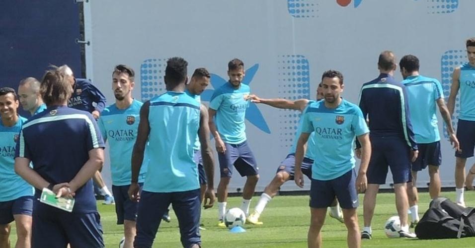 16.mai.2014 - Neymar atuou com disposição no treino e virou opção no banco de reservas do Barça para o jogo contra o Atlético de Madri