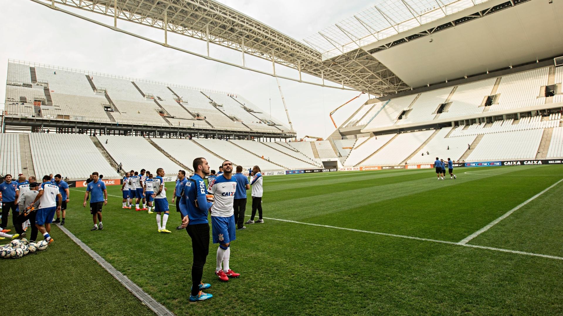 Corinthians realizou treino no Itaquerão, nesta sexta-feira
