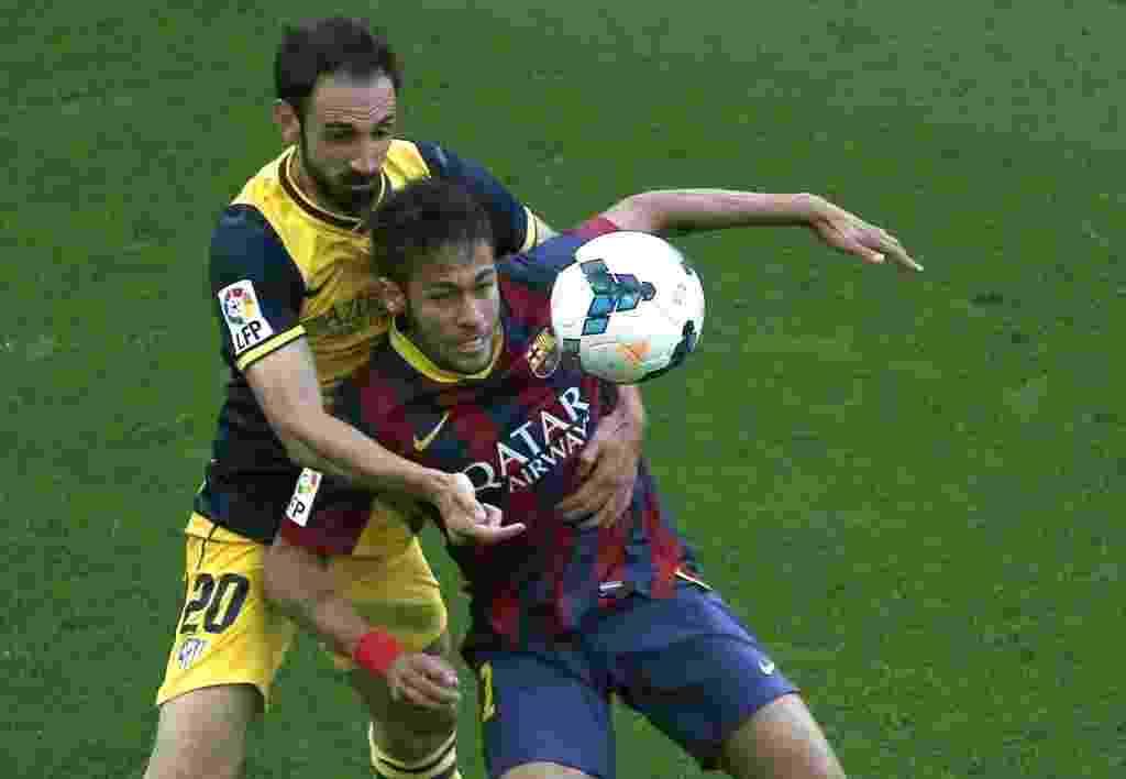 Depois de quatro semanas afastado por lesão, Neymar entra em campo pelo Barcelona na decisão do Campeonto Espanhol, contra o Atlético de Madri - Alberto Estévez/ EFE