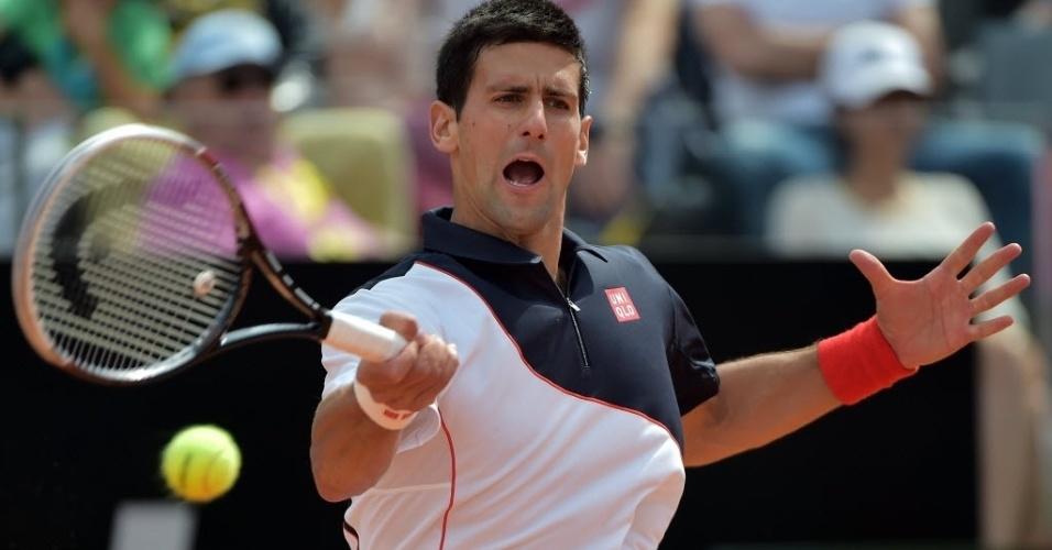 Novak Djokovic travou intensa disputa com o canadense naturalizado Milos Raonic neste sábado, pelas semifinais do torneio de Roma