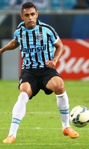 18 mai 2014 - Werley dá assistência para gol do Grêmio contra o Fluminense