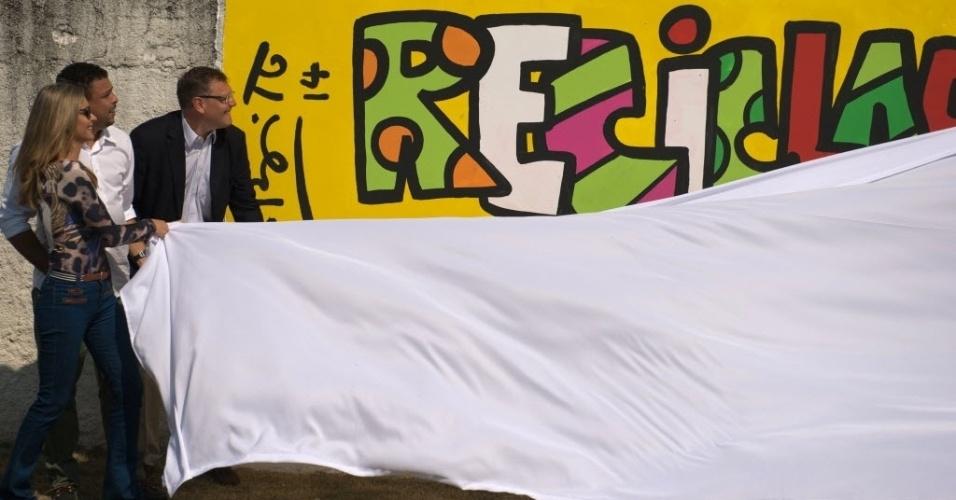 20. mai. 2014 - Fernanda Lima, Ronaldo e Jérôme Valcke lançam projeto social Football for Hope, no Rio de Janeiro