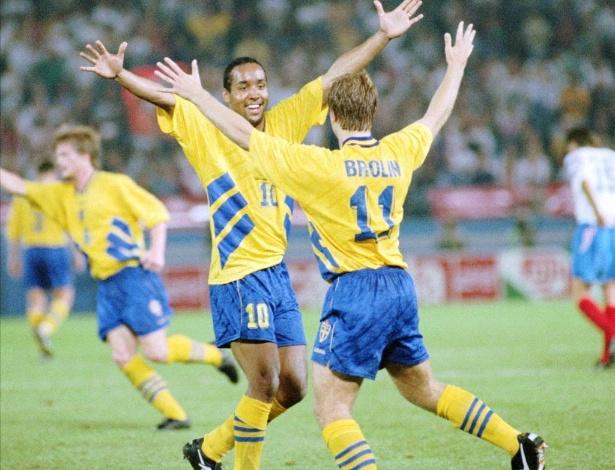 A dupla Martin Dahlin (e) e Thomas Brolin foi a principal responsável por levar a Suécia ao 3° ligar da Copa de 1994