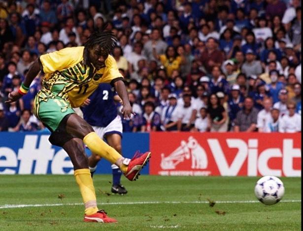 A Jamaica só jogou uma Copa, em 1998, mas tem sua vitória: 2 a 1 sobre o Japão. Os dois gols foram de Theodore Whitmore, que entrou para a história do futebol jamaicano