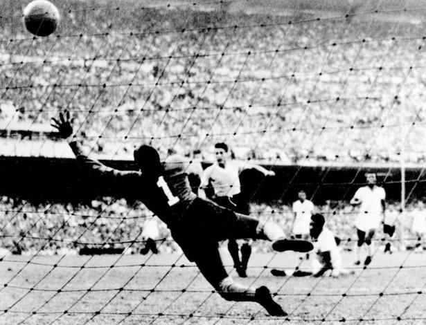 Ghiggia foi o autor do gol do título mundial uruguaio em 1950, mas aquele foi o da virada; Schiaffino foi o primeiro herói uruguaio naquele 16 de julho, ao empatar o jogo contra o Brasil