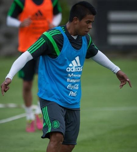 Juan Carlos Medina, da seleção mexicana, está fora da Copa porque terá que operar o tornozelo direito