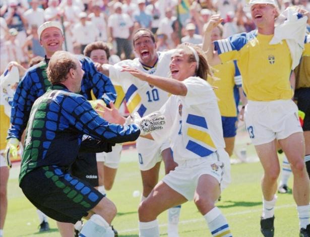 O goleiro Ravelli esbanjou carisma com a Suécia em 1994. Mais do que as gracinhas que fazia para a câmera, ele fazia defesas espetaculares