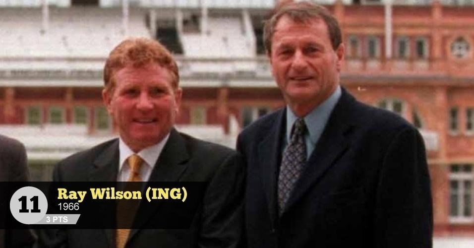 Ray Wilson (Inglaterra, 1966) - 3 pontos: 'Entregou um gol para a Alemanha em cabeçada errada na final', lembra Mattos (Wilson está à esquerda na imagem)