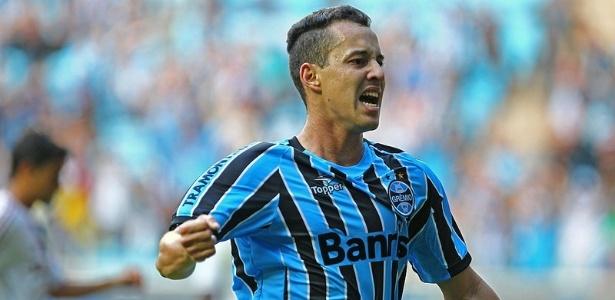 Rodriguinho irá atuar no time dirigido por Paulo Bonamigo e já se despediu do Grêmio