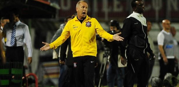 Ex-técnico da seleção, Mano Menezes minimizou a busca da CBF por um novo nome
