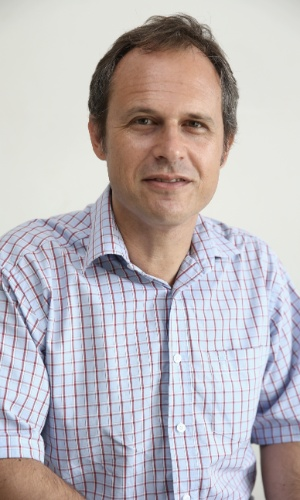 Léo Gerchmann, autor do livro sobre a torcida gay do Grêmio: