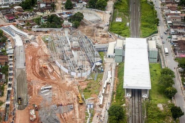 Terminal Integrado de Camaragibe, em obras, durante o mês de março de 2014
