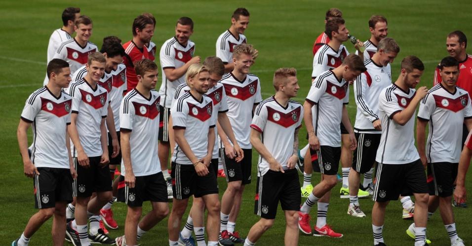 22.05.14 - Jogadores da seleção da Alemanha participam de treino preparatório para a Copa do Mundo de 2014