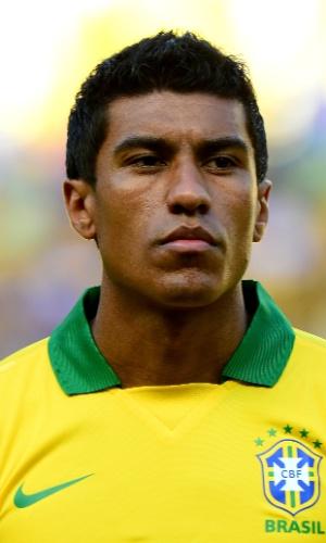 Paulinho, volante da seleção brasileira