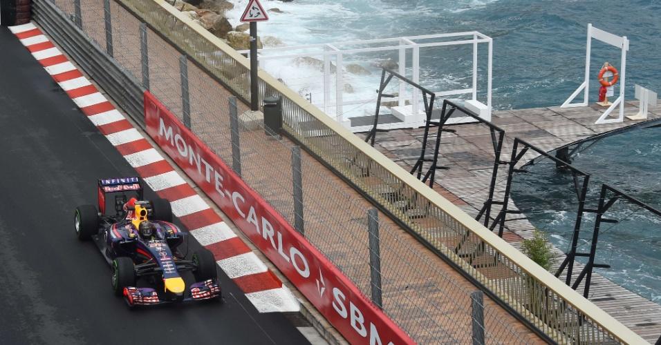 Sebastian Vettel participa de treino livre em Mônaco