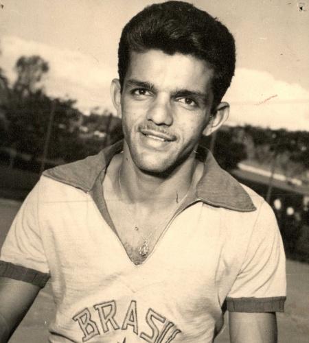 Dia, ex-meia do Flamengo, foi campeão mundial com a seleção em 1958