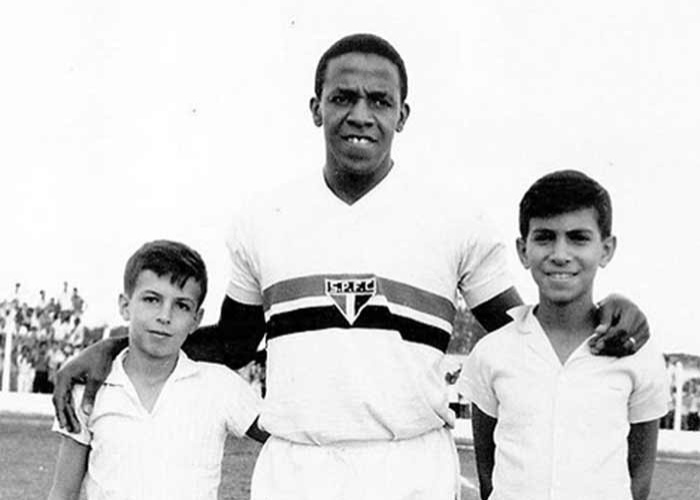 Jurandir, ex-lateral-esquerdo do São Paulo, foi campeão da Copa de 1962 pela seleção brasileira