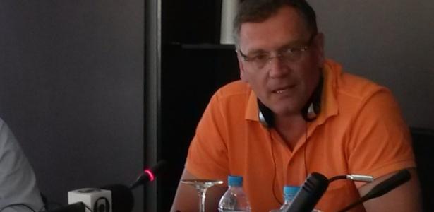 Secretário-geral da Fifa, Jérôme Valcke, em conversa com jornalistas no Rio