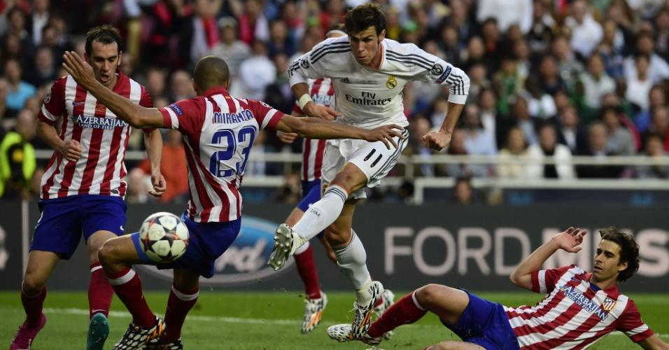 24.mai.2014 - Bale desperdiça chance clara para o Real Madrid na final da Liga dos Campeões. Equipe merengue levou gol pouco tempo depois
