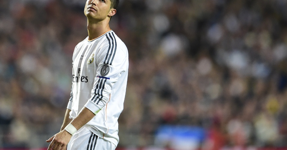 24.mai.2014 - Cristiano Ronaldo lamenta chance desperdiçada pelo Real Madrid durante final da Liga do