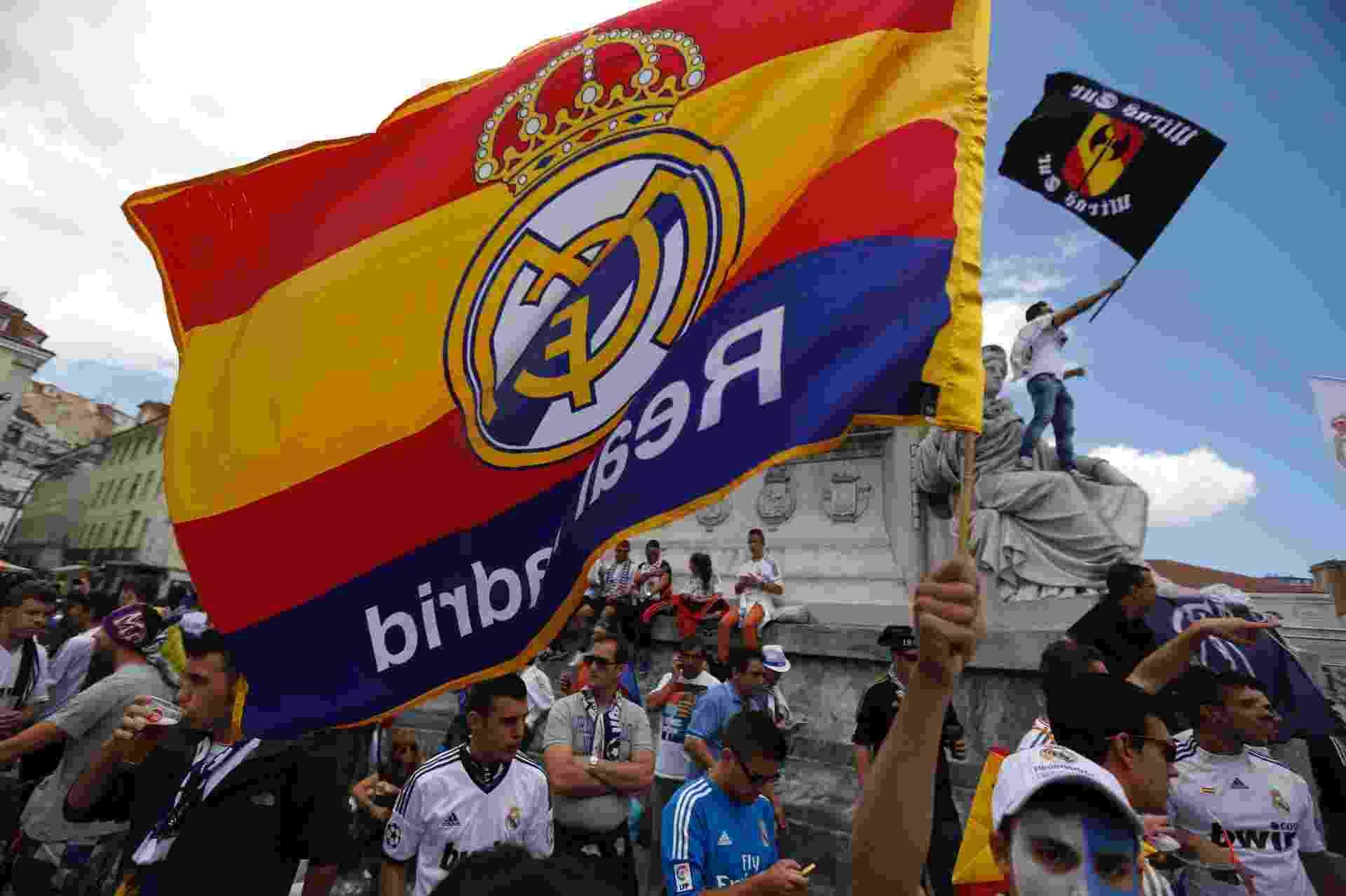 Torcedores vindos da Espanha invadem a cidade de Lisboa, palco da final da Liga dos Campeões entre Real Madrid e Atlético de Madri, às 15h45 - REUTERS/Rafael Marchante