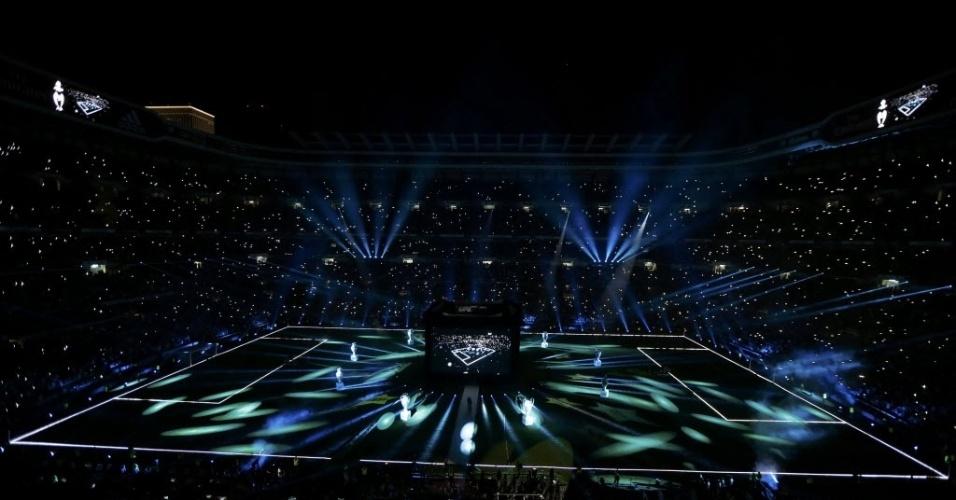 25.mai.2014 - Também teve show de luzes no Bernabeu nesta noite de domingo