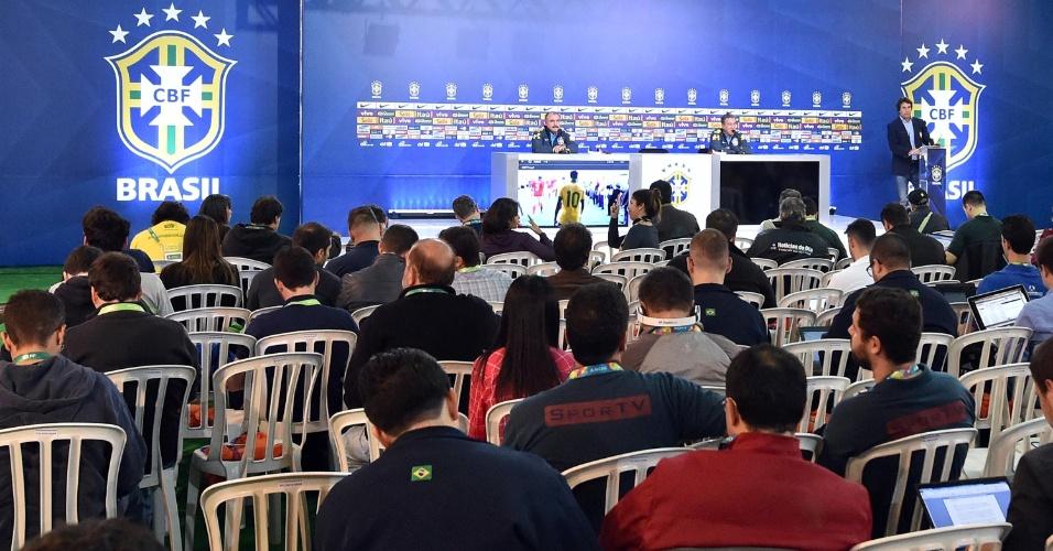 26.05.14 - Visão geral da sala de imprensa da CBF na coletiva da seleção nesta segunda