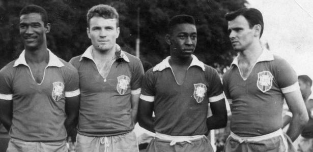 Pepe (1º da direita) se machucou antes das Copas de 1958 e 1962